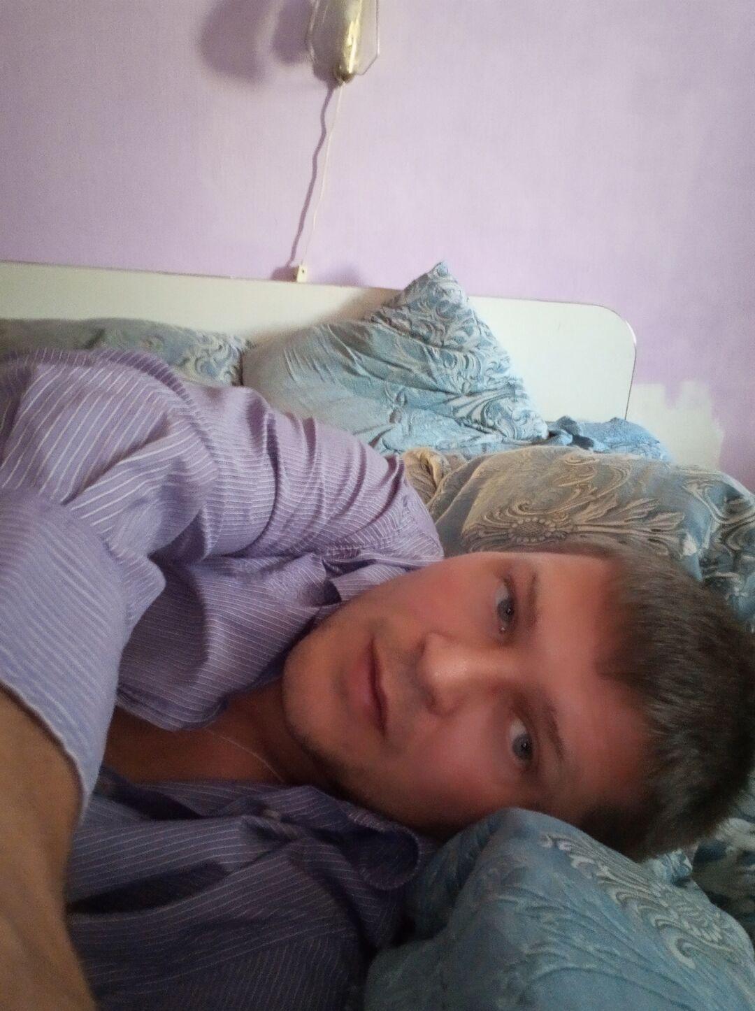 Знакомства Абакан, фото мужчины Евгений, 37 лет, познакомится для флирта, любви и романтики