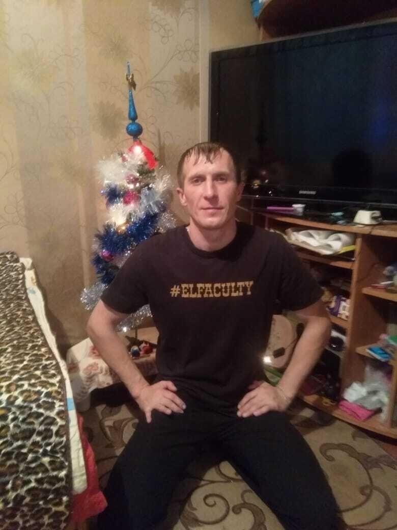 Знакомства Ржев, фото мужчины Серёжа, 41 год, познакомится для флирта, любви и романтики