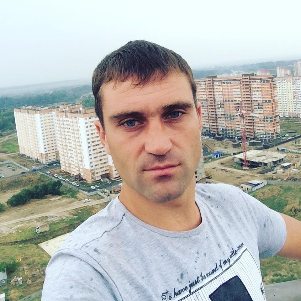 Знакомства Краснодар, фото мужчины Dmitry, 34 года, познакомится для флирта, любви и романтики, cерьезных отношений