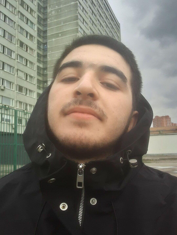 Знакомства Москва, фото парня Alishkahaha, 19 лет, познакомится для флирта, любви и романтики