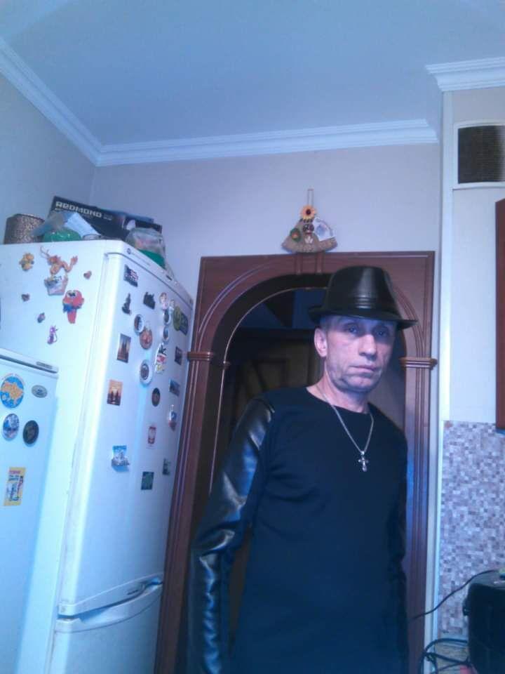 Знакомства Старый Оскол, фото мужчины Сергей, 56 лет, познакомится для флирта, любви и романтики, cерьезных отношений