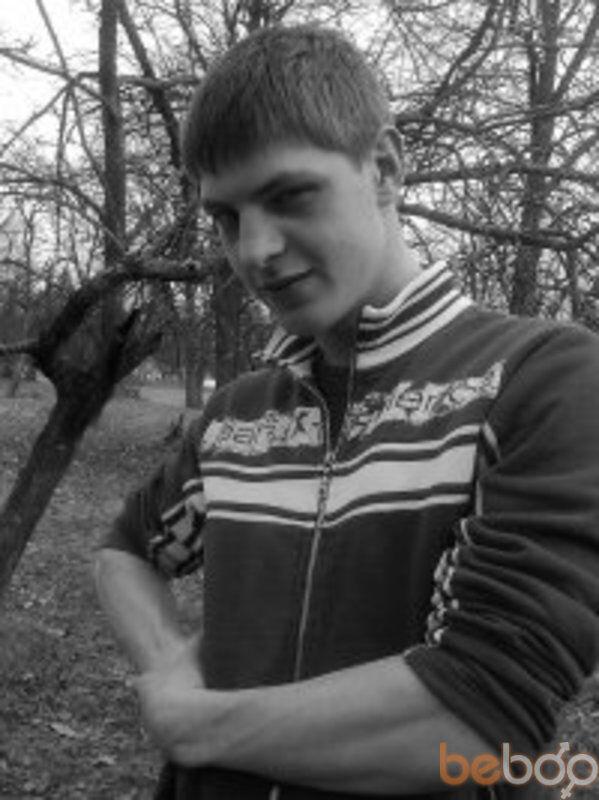 Знакомства Бровары, фото мужчины Vitaliy, 30 лет, познакомится для флирта