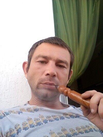 Знакомства Севастополь, фото мужчины Виктор, 34 года, познакомится для флирта, любви и романтики, cерьезных отношений