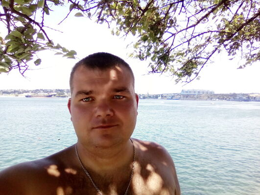 Знакомства Севастополь, фото мужчины Саша, 34 года, познакомится для флирта, любви и романтики, cерьезных отношений