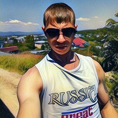 Знакомства Артем, фото парня Стас, 24 года, познакомится для флирта, любви и романтики, cерьезных отношений